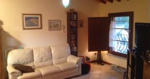 Casalguidi (Serravalle P.se) Appartamento primo e ultimo piano. Euro 135.000 Rif. P189