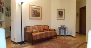 Pistoia zona Ovest. Appartamento con grande soggiorno. Rif. P199