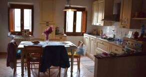 Euro 150.000. Appartamento indipendente in colonica a Pistoia Est. Rif. P225