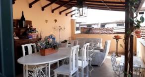 Montale Vendesi Appartamento con Taverna e Resede. Rif. M338